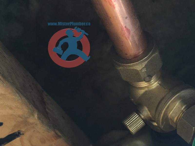 Leaky compression fitting