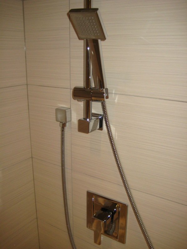 Shower faucet with handheld