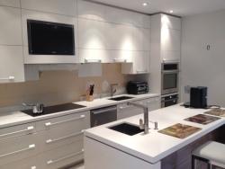 modern kitchen plumbing