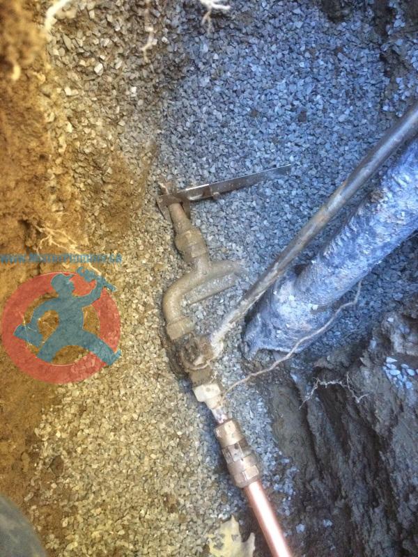 Underground city water main splits