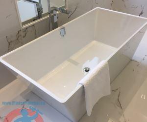 5 Rectangular free stand bathtub sm