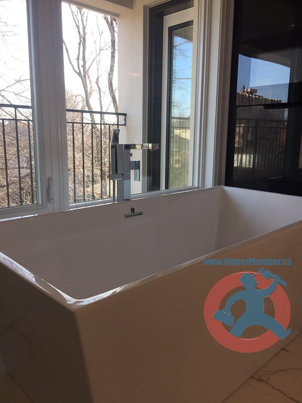 free stand bathtub in Mississauga