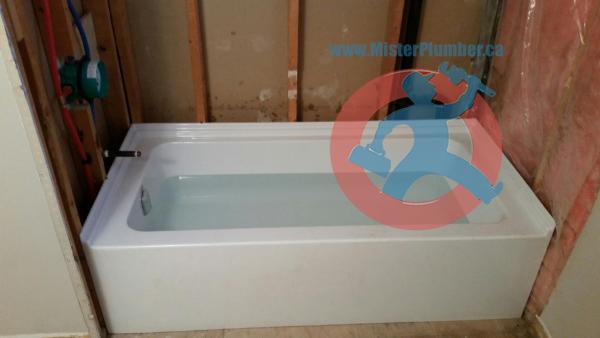 installed bathtub in Toronto