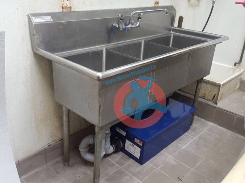 compartment sink
