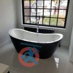 bathtub-in-master-washroom-2