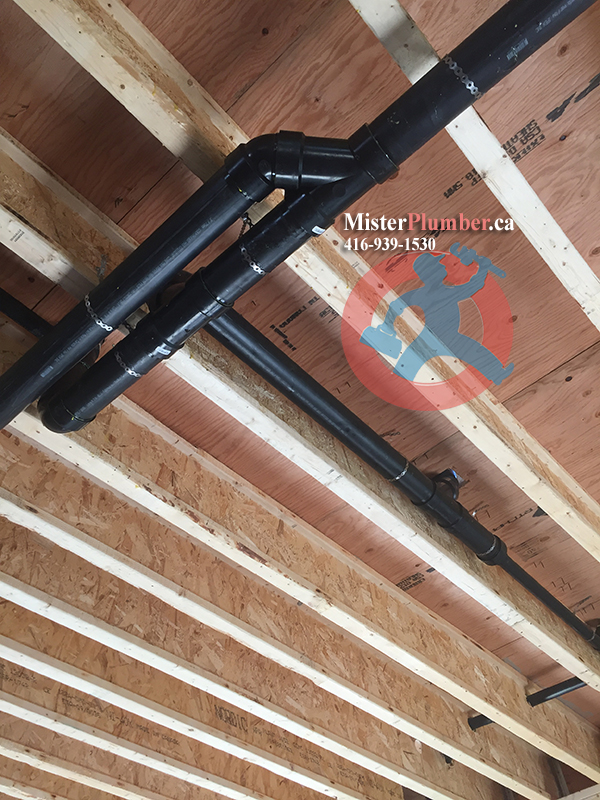 Drain pipes installation under ceiling