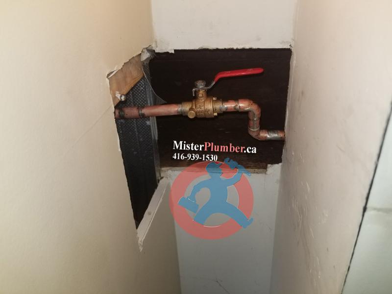 Shut off valve with drain port