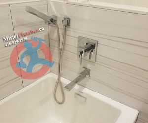 Tub faucet with handheld